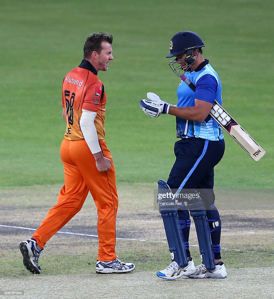 <a gi-track='captionPersonalityLinkClicked' href=/galleries/search?phrase=Brett+Lee&family=editorial&specificpeople=169885 ng-click='$event.stopPropagation()'>Brett Lee</a> of Virgo Super Kings (L) celebrates the wicket of <a gi-track='captionPersonalityLinkClicked' href=/galleries/search?phrase=Neil+Carter&family=editorial&specificpeople=211050 ng-click='$event.stopPropagation()'>Neil Carter</a> of Leo Lions during the Oxigen Masters Champions League Semi Final match between Leo Lions and Virgo Super Kings at Dubai International Cricket Stadium on February 12, 2016 in Dubai, United Arab Emirates.