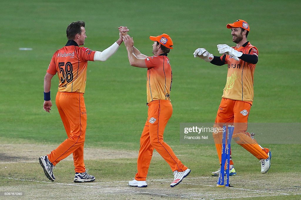 <a gi-track='captionPersonalityLinkClicked' href=/galleries/search?phrase=Brett+Lee&family=editorial&specificpeople=169885 ng-click='$event.stopPropagation()'>Brett Lee</a> of Virgo Super Kings celebrates the wicket of Neil Carter of Leo Lions with his team-mates during the Oxigen Masters Champions League Semi Final match between Leo Lions and Virgo Super Kings at Dubai International Cricket Stadium on February 12, 2016 in Dubai, United Arab Emirates.