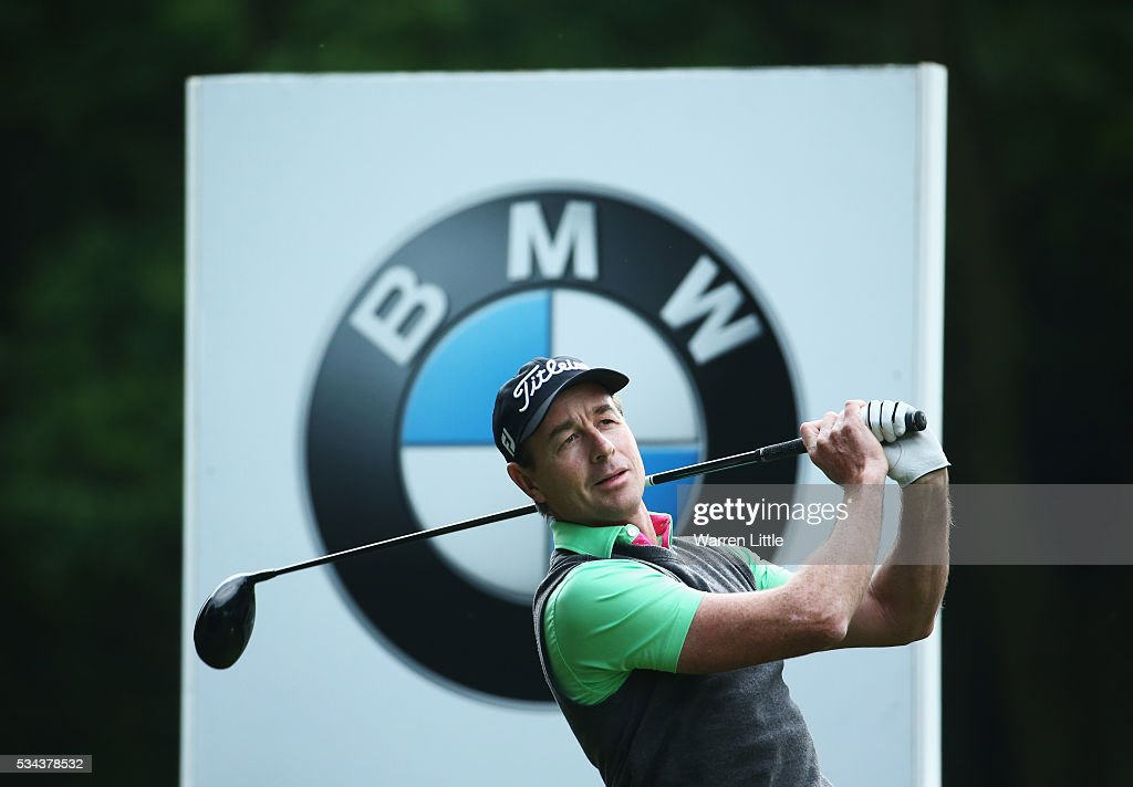 <a gi-track='captionPersonalityLinkClicked' href=/galleries/search?phrase=Brett+Rumford&family=editorial&specificpeople=216614 ng-click='$event.stopPropagation()'>Brett Rumford</a> of Australia tees off on the 3rd hole during day one of the BMW PGA Championship at Wentworth on May 26, 2016 in Virginia Water, England.