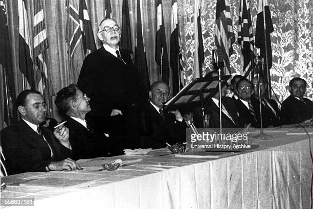 Bretton Woods Conference 1944 John Maynard Keynes and Harry Dexter White founding fathers of the IMF and the World Bank