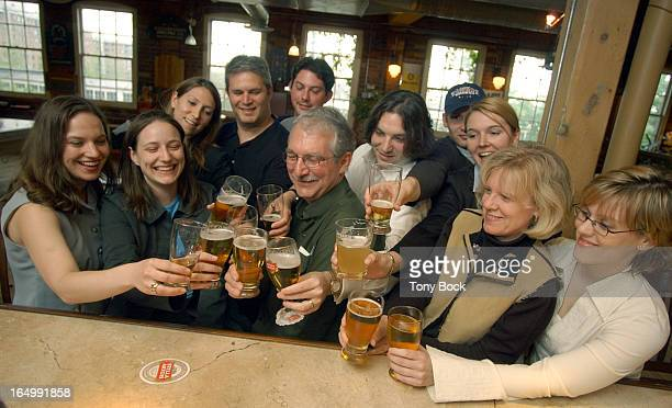 05/28/03 WHITE Brewmaster Bill White leads a class on the appreciation of beer at the Beer Institute TONY BOCK/TORONTO STAR