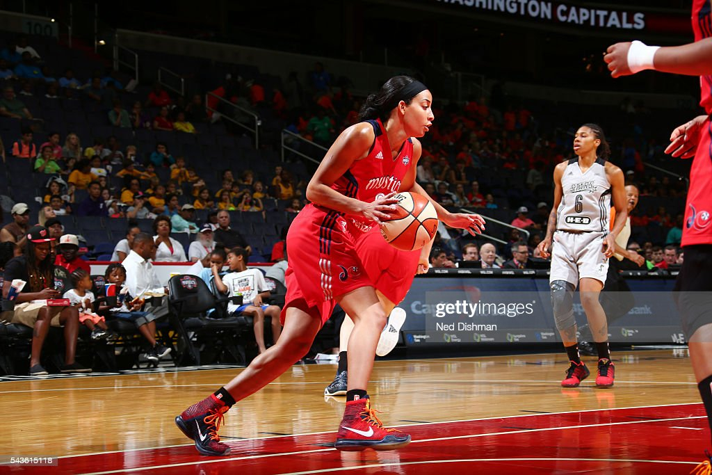 <a gi-track='captionPersonalityLinkClicked' href=/galleries/search?phrase=Bria+Hartley&family=editorial&specificpeople=7334401 ng-click='$event.stopPropagation()'>Bria Hartley</a> #8 of the Washington Mystics drives to the basket against the San Antonio Stars on June 29, 2016 at the Verizon Center in Washington, DC.