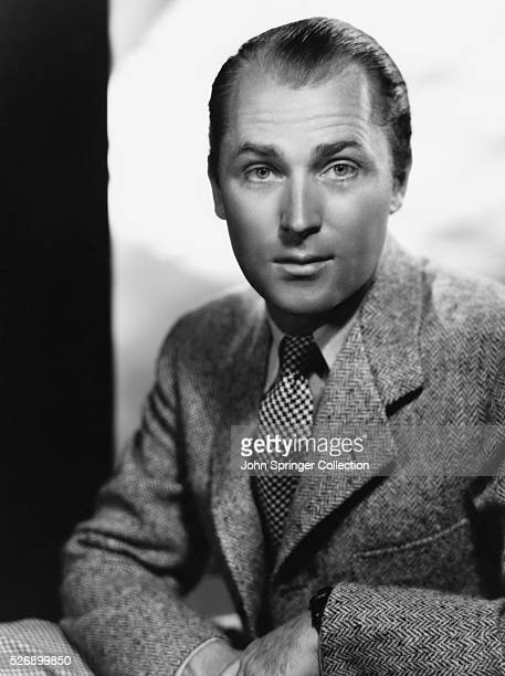 Brian Aherne plays archaeologist Terry O'Neill in the 1935 comedy I Live My Life