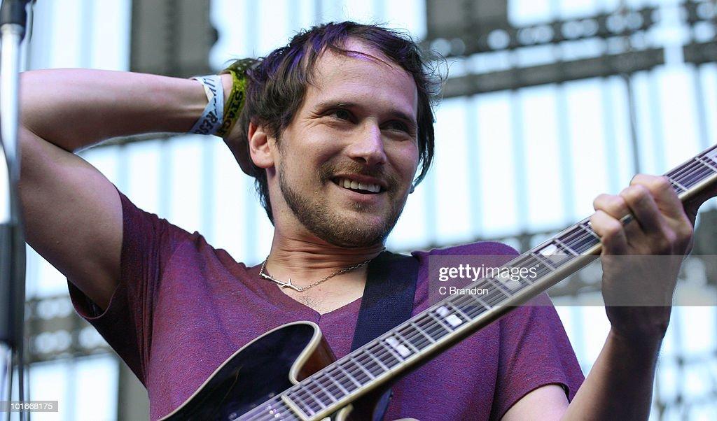 Brian Aubert of the Silversun Pickups performs at the Verizon Wireless Amphitheatre on June 5, 2010 in Laguna Hills, California.