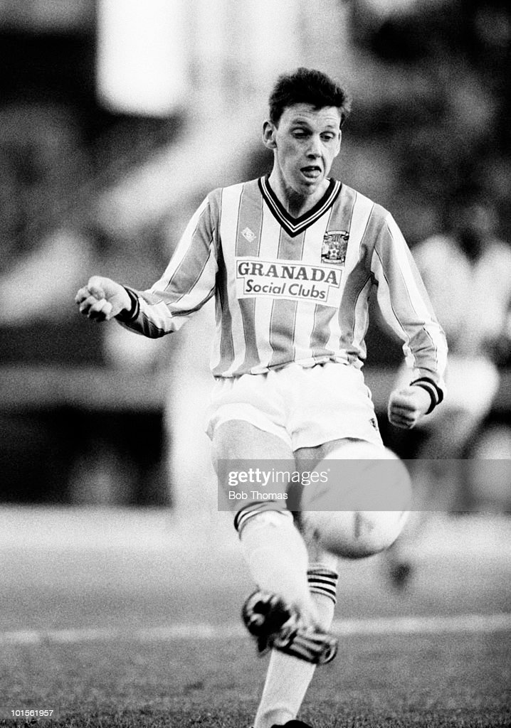 Brian Borrows of Coventry City in action against Nottingham Forest during their Division One football match held at Highfield Road, Coventry on 8th November 1986. Coventry City beat Nottingham Forest 1-0. (Bob Thomas/Getty Images).