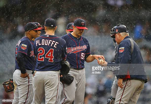 Brian Duensing of the Minnesota Twins leaves the game after giving up the go ahead run in the eighth inning against the New York Yankees during their...