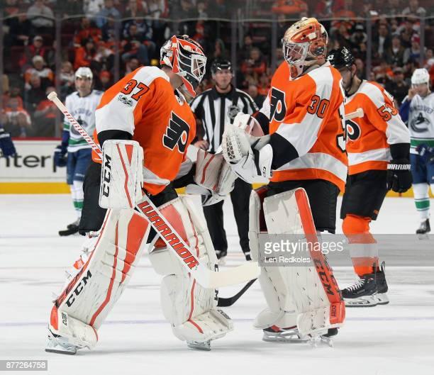 Brian Elliot of the Philadelphia Flyers replaces Michal Neuvirth in goal on November 21 2017 at the Wells Fargo Center in Philadelphia Pennsylvania