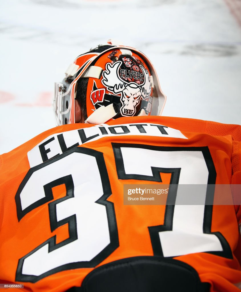 brian-elliott-of-the-philadelphia-flyers