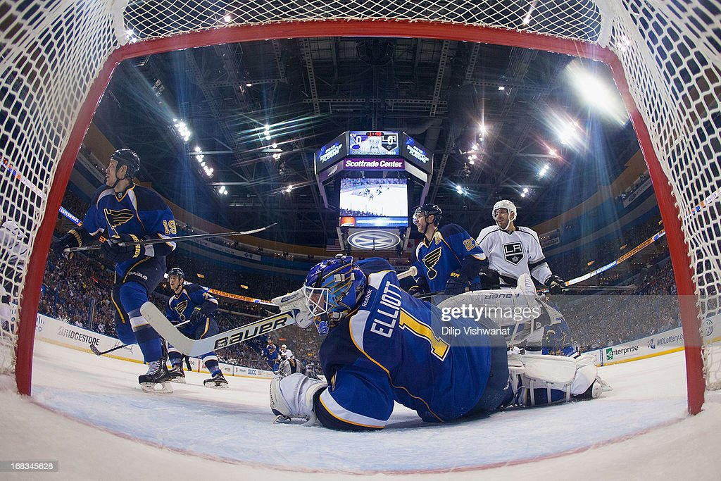<a gi-track='captionPersonalityLinkClicked' href=/galleries/search?phrase=Brian+Elliott&family=editorial&specificpeople=687032 ng-click='$event.stopPropagation()'>Brian Elliott</a> #1 of the St. Louis Blues makes a save against the Los Angeles Kings in Game Five of the Western Conference Quarterfinals during the 2013 NHL Stanley Cup Playoffs at the Scottrade Center on May 8, 2013 in St. Louis, Missouri. The Kings beat the blues 3-2 in overtime.