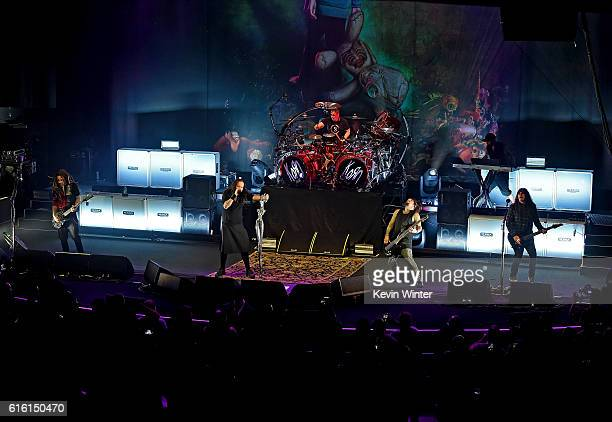 Brian 'Head' Welch Jonathan Davis Ray Luzier Reginald 'Fieldy' Arvizu and James 'Munky' Shaffer of Korn perform onstage at a private concert for...