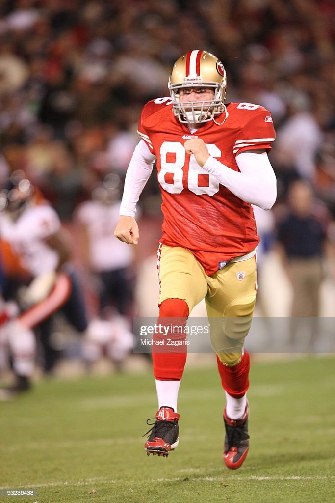 Brian Jennings of the San Francisco 49ers runs down field after a punt during the NFL game against the Chicago Bears at Candlestick Park on November...