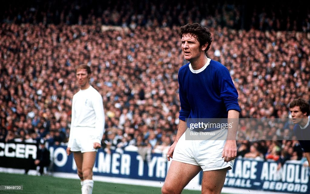 Sport, Football, Everton v Leeds United, Brian Labone, Everton prepares to defend a corner as he is watched by Leeds player Jack Charlton