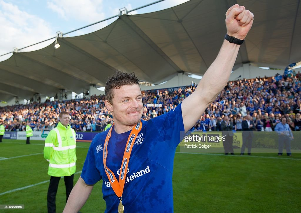 <a gi-track='captionPersonalityLinkClicked' href=/galleries/search?phrase=Brian+O%27Driscoll&family=editorial&specificpeople=194745 ng-click='$event.stopPropagation()'>Brian O'Driscoll</a> of Leinster, gestures to fans in the last match of his career after winning the Pro 12 trophy after victory against Glasgow during the RaboDirect Pro 12 match between Leinster and Glasgow Warriors at Aviva Stadium on May 31, 2014 in Dublin, Ireland.