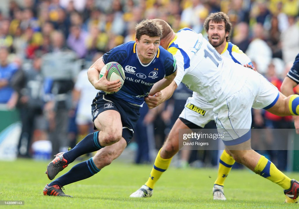 <a gi-track='captionPersonalityLinkClicked' href=/galleries/search?phrase=Brian+O%27Driscoll&family=editorial&specificpeople=194745 ng-click='$event.stopPropagation()'>Brian O'Driscoll</a> of Leinster moves past Daniel Kotze during the Heineken Cup semi final match between ASM Clermont Auvergne and Leinster at Stade Chaban-Delmas on April 29, 2012 in Bordeaux, France.