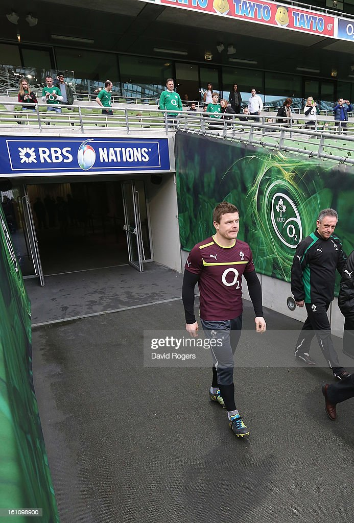 <a gi-track='captionPersonalityLinkClicked' href=/galleries/search?phrase=Brian+O%27Driscoll&family=editorial&specificpeople=194745 ng-click='$event.stopPropagation()'>Brian O'Driscoll</a>, walks down the tunnel during the Ireland captain's run at the Aviva Stadium on February 9, 2013 in Dublin, Ireland.