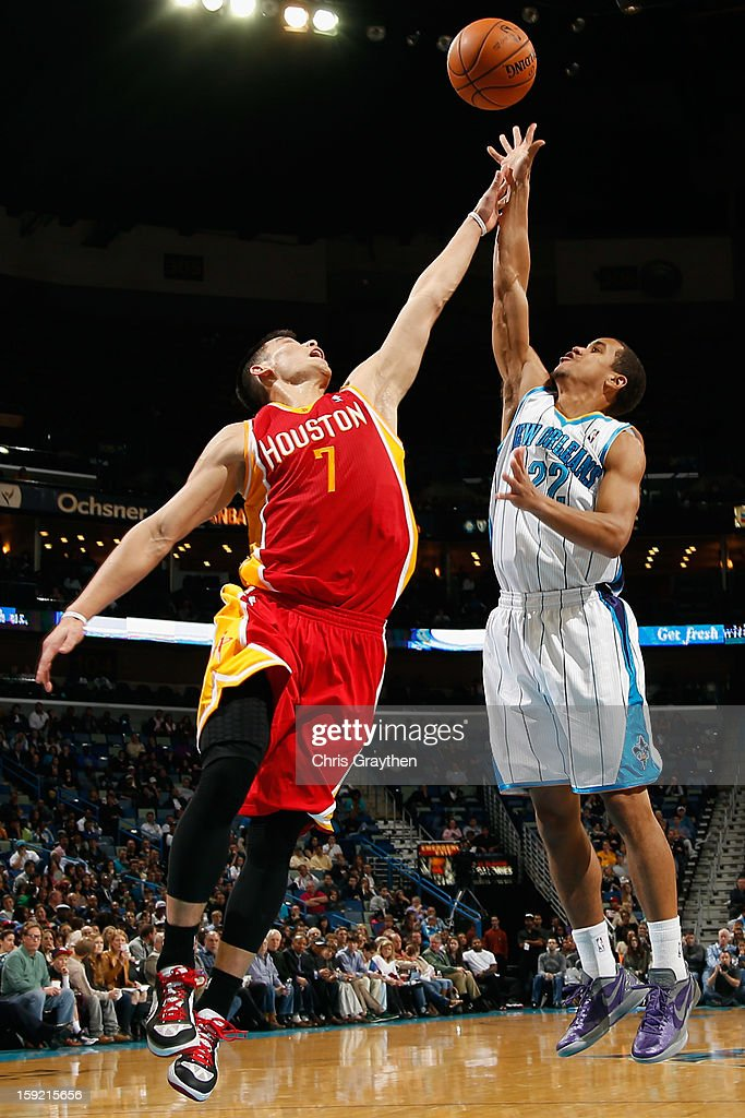 Brian Roberts #22 of the New Orleans Hornets shoots the ball over <a gi-track='captionPersonalityLinkClicked' href=/galleries/search?phrase=Jeremy+Lin&family=editorial&specificpeople=6669516 ng-click='$event.stopPropagation()'>Jeremy Lin</a> #7 of the Houston Rockets at New Orleans Arena on January 9, 2013 in New Orleans, Louisiana. The Hornets defeated the Rockets 88-79.