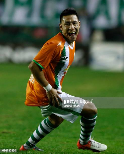 Brian Sarmiento of Banfield celebrates after scoring the second goal of his team during a match between Banfield and Rosario Central as part of...