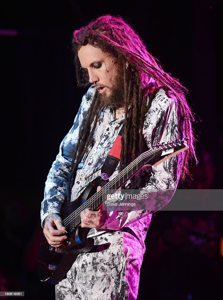 <a gi-track='captionPersonalityLinkClicked' href=/galleries/search?phrase=Brian+Welch&family=editorial&specificpeople=3209697 ng-click='$event.stopPropagation()'>Brian Welch</a> of Korn performs on Day 1 of Monster Energy Aftershock Festival at Discovery Park on September 14, 2013 in Sacramento, California.