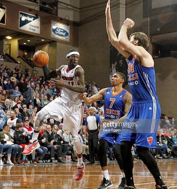 Briante Weber from the Sioux Falls Skyforce looks for a teammate past the defense of Devondrick Walker and Jordan Bachynski from the Westchester...