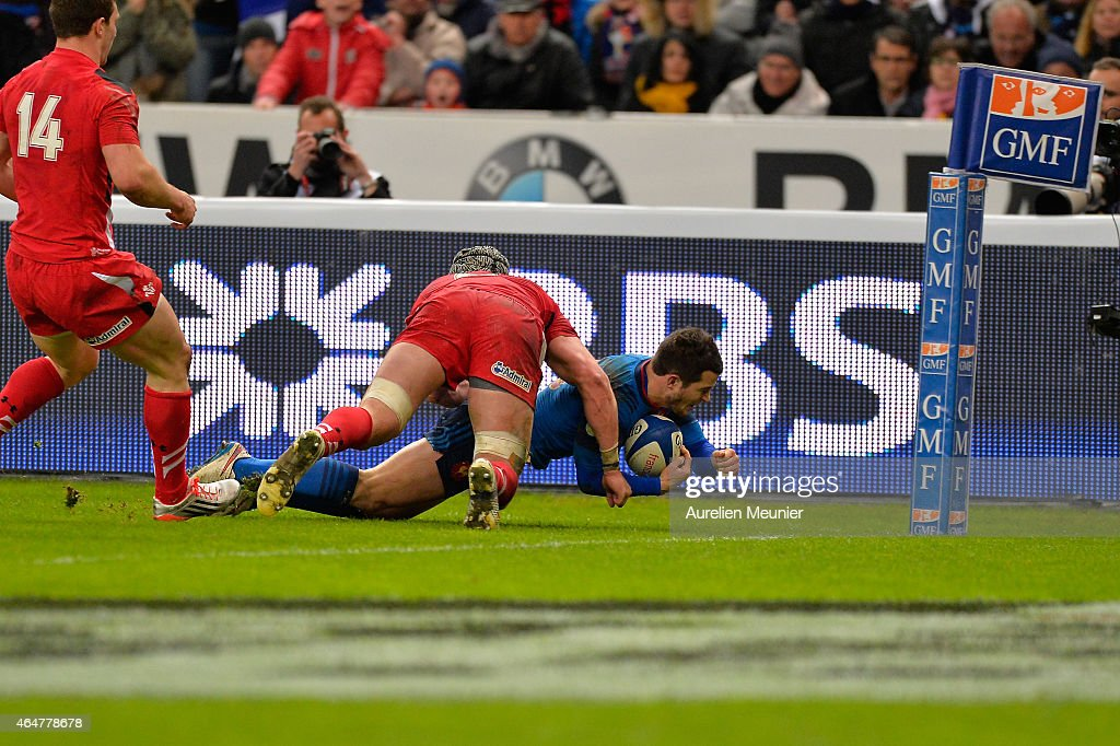 <a gi-track='captionPersonalityLinkClicked' href=/galleries/search?phrase=Brice+Dulin&family=editorial&specificpeople=7045962 ng-click='$event.stopPropagation()'>Brice Dulin</a> of France scoring a try during the RBS Six Nations match between France and Wales at the Stade de France on February 28, 2015 in Paris, France.