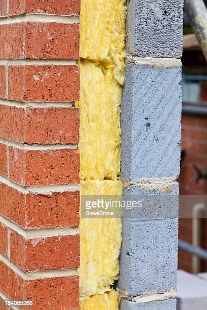 Brique et isolation de la maison de construction moderne de réduire l'empreinte carbone