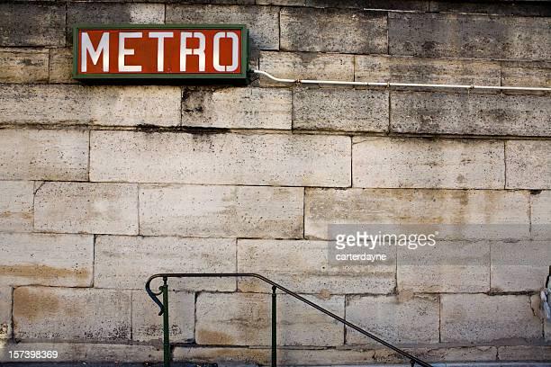 Enseigne de métro parisien, France