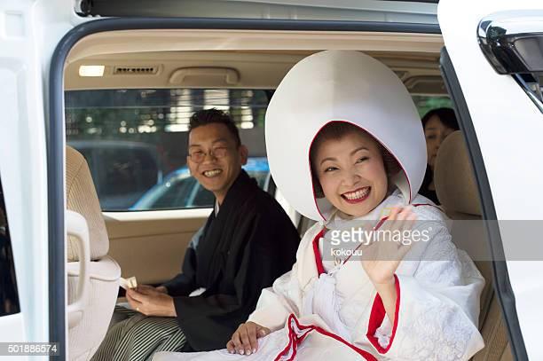 花嫁と花婿のお車の中から