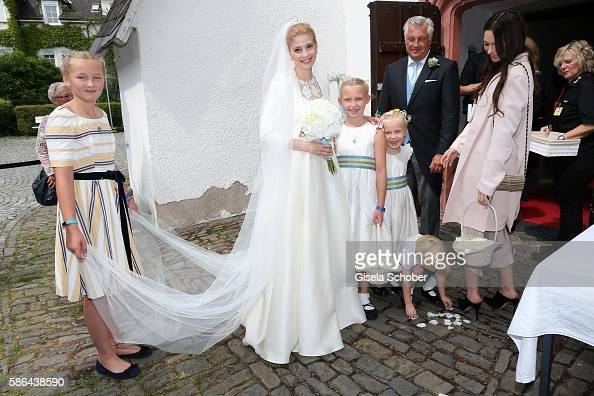 bride-franziska-prinzessin-zu-saynwittgensteinberleburg-born-balzer-picture-id586438590