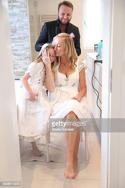 Bride Renata Kochta and her daughter Tamina Kochta and hairdresser Peter Safarik during the preparations for the wedding of Renata Kochta and Thomas...