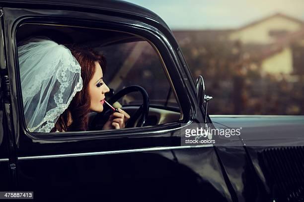 Braut mit Lippenstift