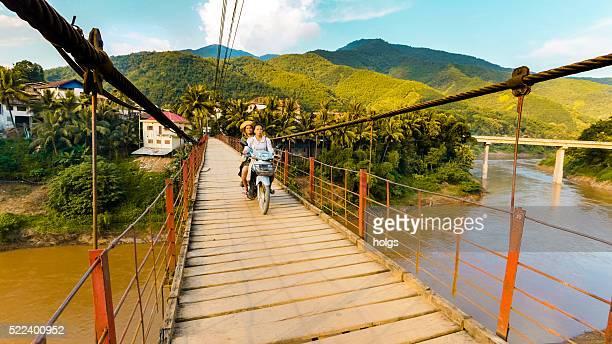 Pont à Luang Prabang, du Laos