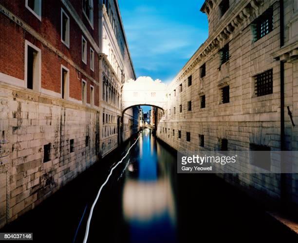 Bridge of Sighs in Venice at night