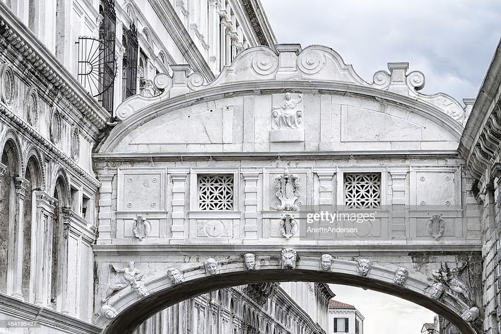 Bridge of sighs in Venice. : Stock Photo
