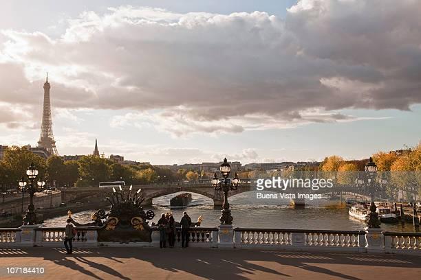 Bridge over La Seine and Tour Eiffel.
