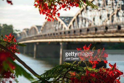 Bridge over Perfume River in Hue Vietnam : Bildbanksbilder
