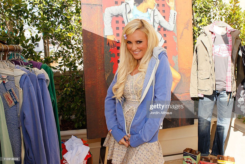 <a gi-track='captionPersonalityLinkClicked' href=/galleries/search?phrase=Bridget+Marquardt&family=editorial&specificpeople=539138 ng-click='$event.stopPropagation()'>Bridget Marquardt</a> poses with Superdry at the Kari Feinstein MTV Movie Awards Style Lounge held at Montage Beverly Hills on June 4, 2010 in Beverly Hills, California.