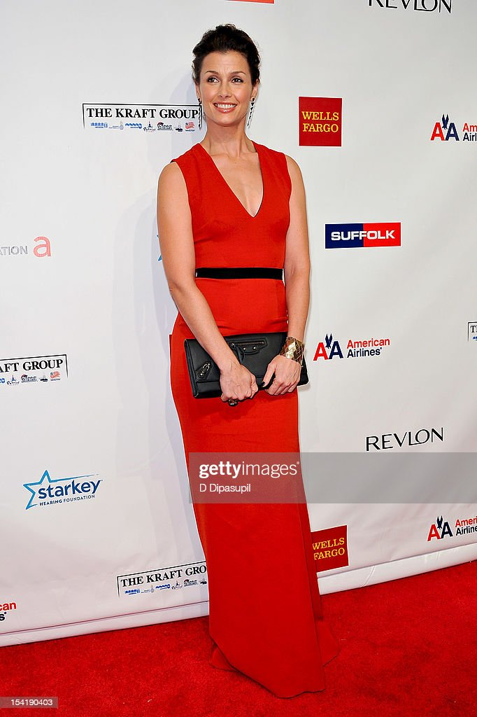 Bridget Moynahan attends the Elton John AIDS Foundation's 11th Annual 'An Enduring Vision' Benefit at Cipriani Wall Street on October 15, 2012 in New York City.