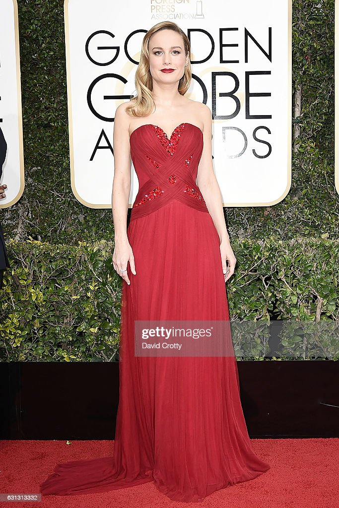 brie-larson-attends-the-74th-annual-golden-globe-awards-arrivals-at-picture-id631313332