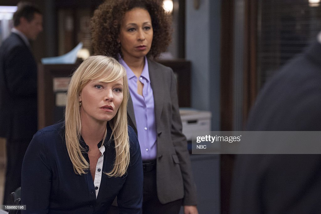 UNIT -- 'Brief Interlude' Episode 1423 -- Pictured: (l-r) <a gi-track='captionPersonalityLinkClicked' href=/galleries/search?phrase=Kelli+Giddish&family=editorial&specificpeople=2159135 ng-click='$event.stopPropagation()'>Kelli Giddish</a> as Detective Amanda Rollins, <a gi-track='captionPersonalityLinkClicked' href=/galleries/search?phrase=Tamara+Tunie&family=editorial&specificpeople=213326 ng-click='$event.stopPropagation()'>Tamara Tunie</a> as ME Warner --