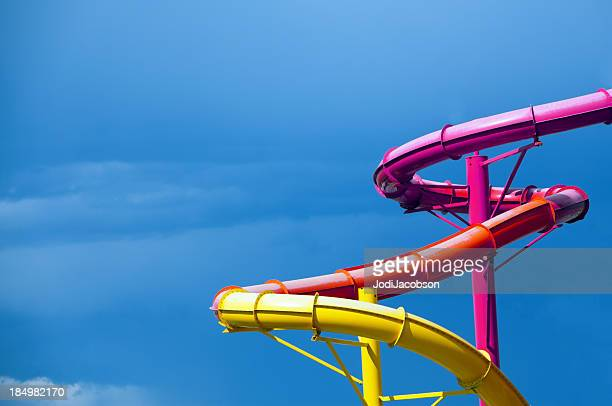Farbige Wasserrutschen