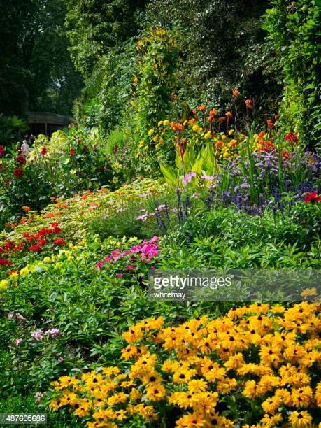 Hell farbigen flowerbed in London park