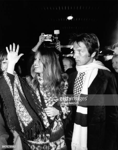 Brigitte Bardot avec son fiance Mirislav Brozek lors de la conference de presse autour du vote prononce sur la regularisation des tueries de bebes...
