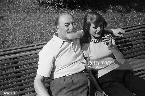 Brigitte bardot in louveciennes with family pictures for Acheter la maison de ses parents