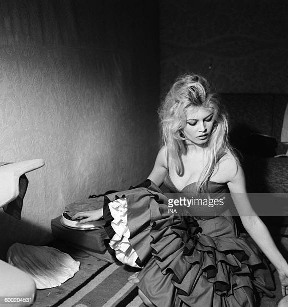 Brigitte Bardot's break during rehearsal of the flamenco which she is going to dance for the program 'TV Variety shows'