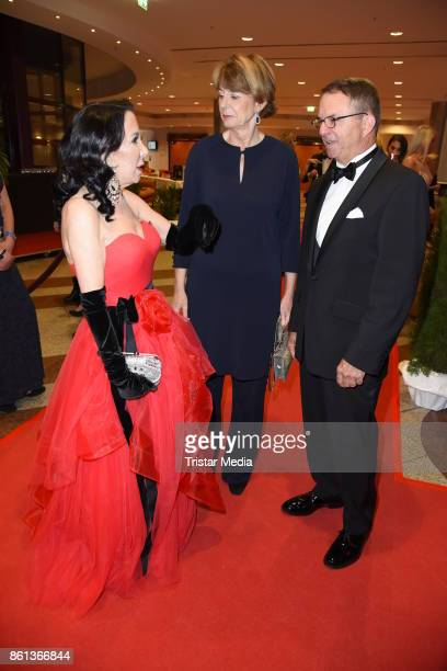 Brigitte Christoph major of Cologne Henriette Reker and her husband Perry Somers attend the 29 KoelnBall on October 14 2017 in Cologne Germany