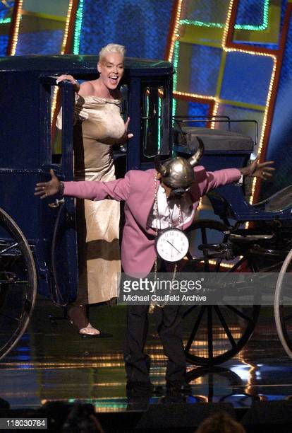 Brigitte Nielsen and Flavor Flav arrive via carriage to present the Big Makeover of '04 Award