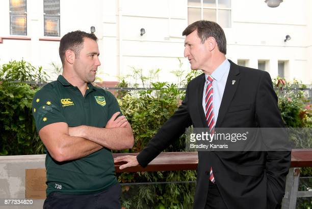 Brisbane Lord Mayor Graham Quirk and Australian captain Cameron Smith chat during a Rugby League World Cup Civic Reception at King George Square on...