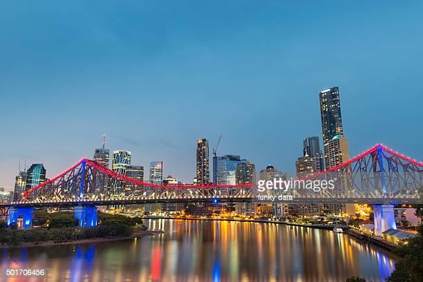Brisbane Story Bridge durante azul horas
