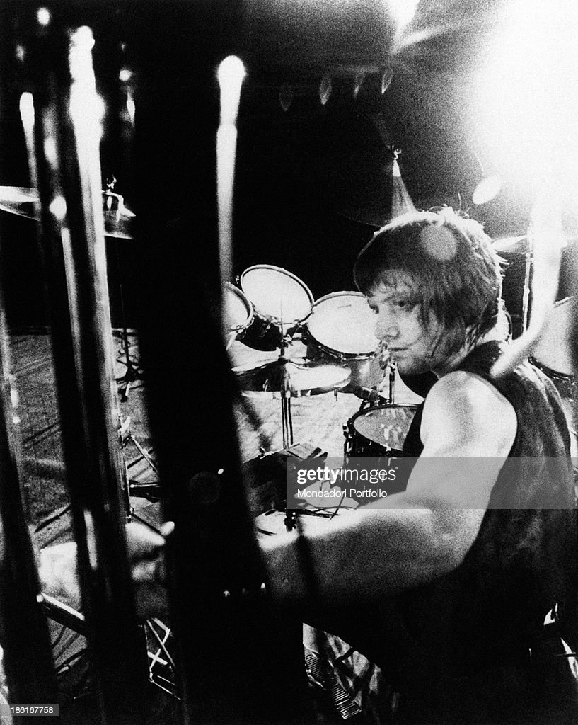Bristish drummer Carl Palmer (Carl Frederick Kendall Palmer), member of the progressive rock band Emerson, Lake & Palmer, playing the drums during a concert. 1970s.