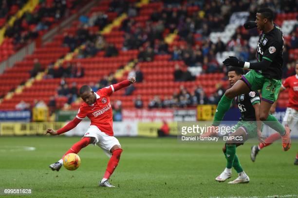 Bristol City's Jonathan Kodjia appears to handle the shot of Charlton Athletic's Ademola Lookman